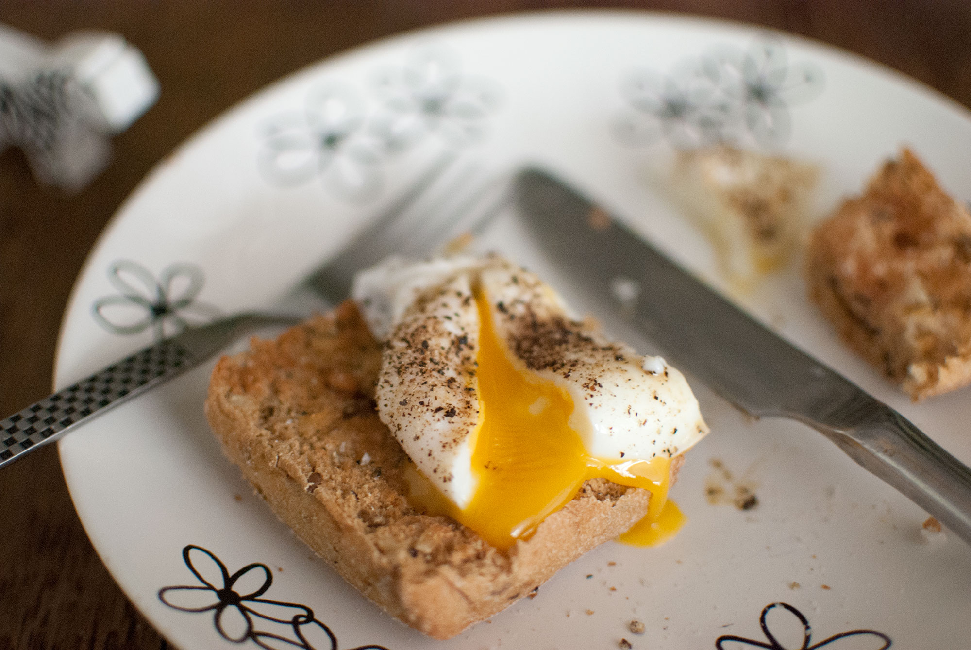 poached egg on gluten free toast